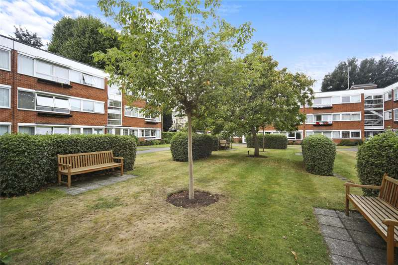 2 Bedrooms Flat for sale in Charmouth Court, Kings Road, Richmond, TW10
