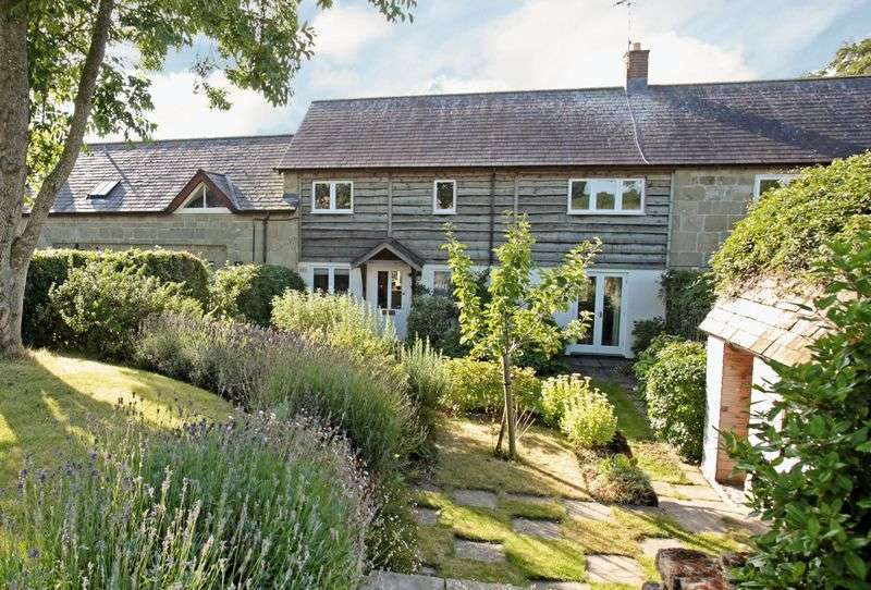3 Bedrooms House for sale in Fovant, Salisbury