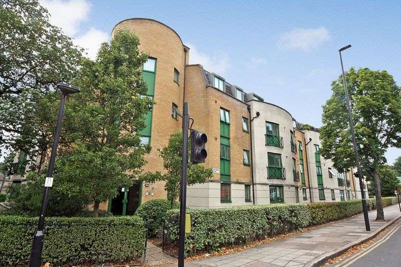2 Bedrooms Flat for sale in William Perkins Court, Greenford