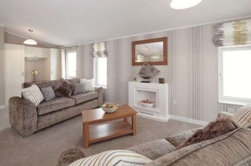 2 Bedrooms Bungalow for sale in Wixford Grange, Wixford, Alcester, Stratford-upon-Avon, Warwickshire, B49 6DG