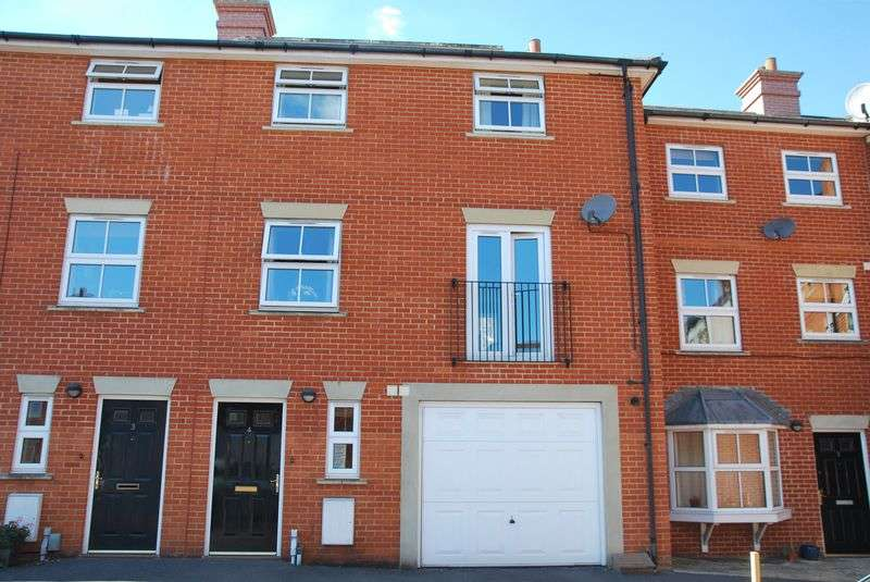 3 Bedrooms Terraced House for sale in Sovereign Court, Salisbury
