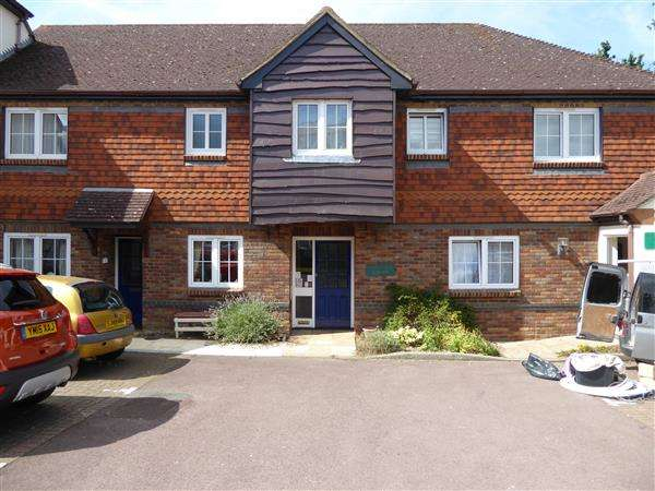 2 Bedrooms Retirement Property for sale in Buckingham Terrace, Pegasus Court, Park Lane, Reading