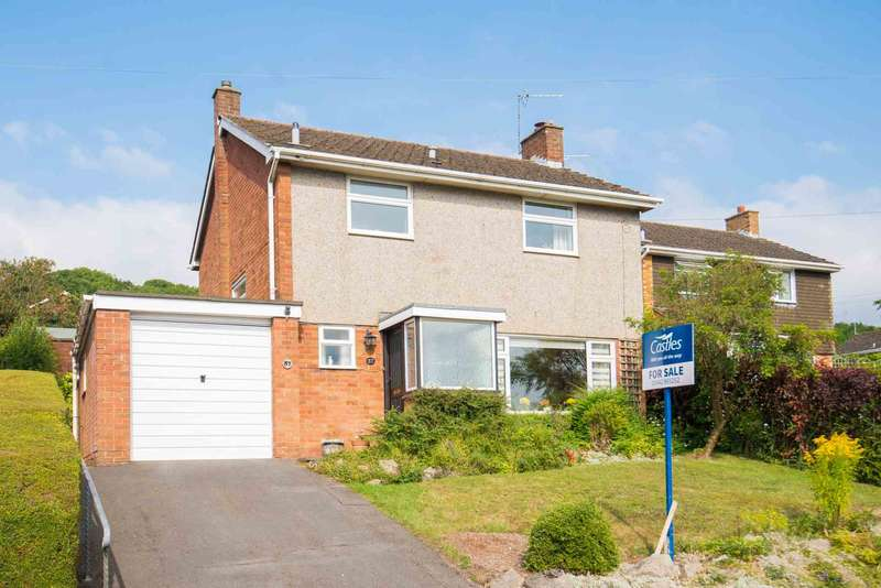 3 Bedrooms Detached House for sale in Meadow Road, Berkhamsted