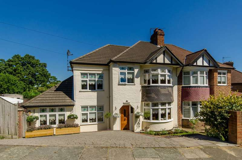 4 Bedrooms House for sale in Dene Road, Oakleigh Park, N11