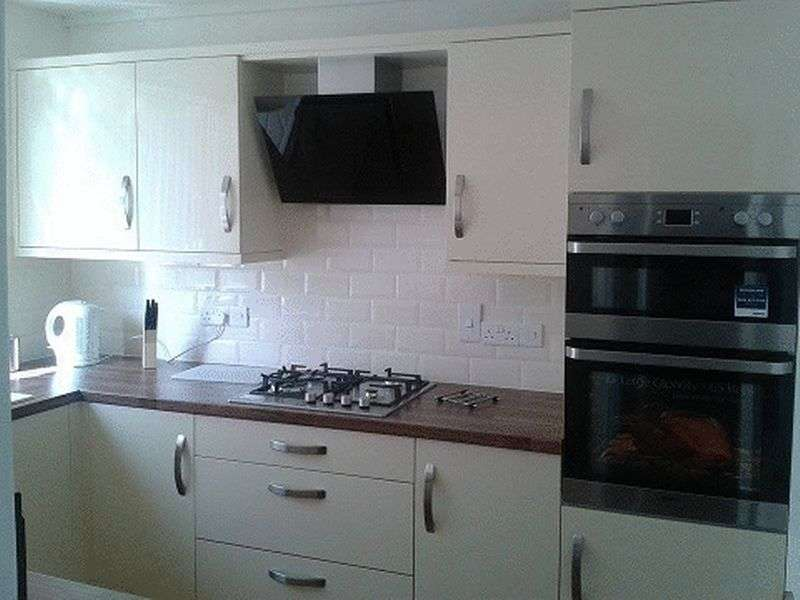 2 Bedrooms Flat for sale in Delbury, Hollinswood , Telford