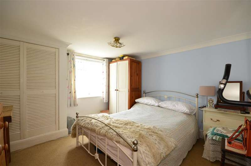 3 Bedrooms End Of Terrace House for sale in Mill Road, Fareham, Hampshire