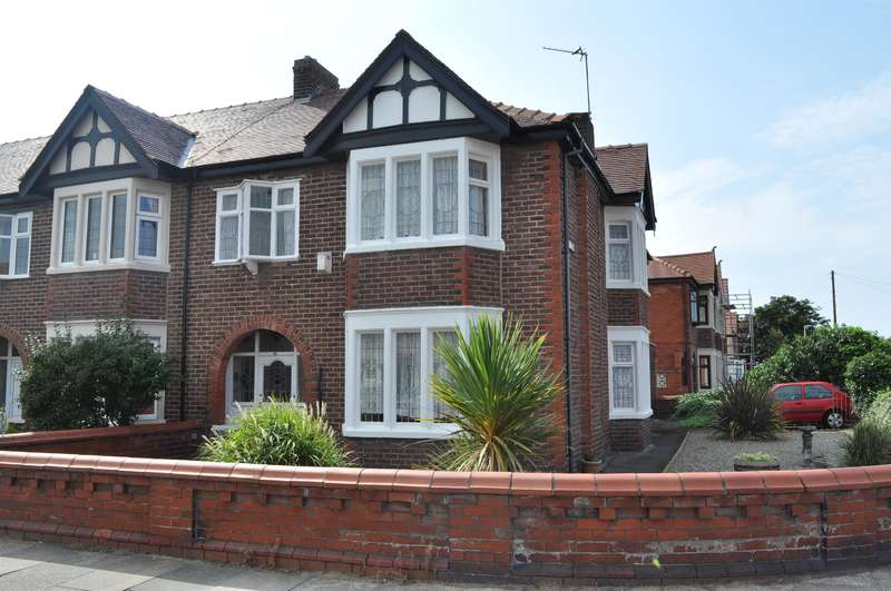 4 Bedrooms Semi Detached House for sale in Roseacre, South Shore, Blackpool, FY4 2PN