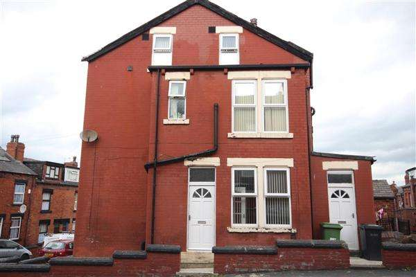 4 Bedrooms Terraced House for sale in Dorset Avenue, Leeds