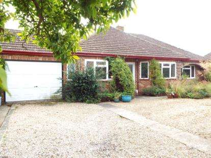 4 Bedrooms Bungalow for sale in Ingoldisthorpe, King's Lynn, Norfolk