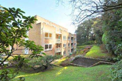 2 Bedrooms Flat for sale in Meyrick Park, Bournemouth, Dorset