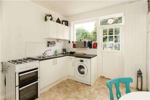 3 Bedrooms Terraced House for sale in Longstaff Road, LONDON, SW18 4AY