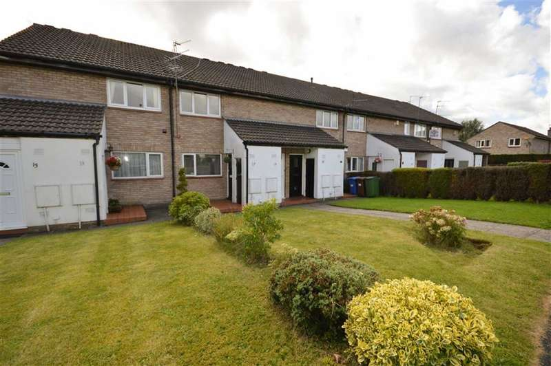 1 Bedroom Flat for sale in RINGMORE ROAD, Bramhall, Stockport, Cheshire, SK7