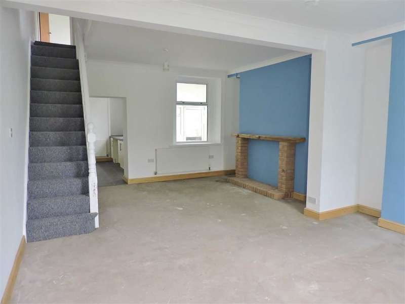 3 Bedrooms Property for sale in Tydraw Road, Bonymaen, Swansea