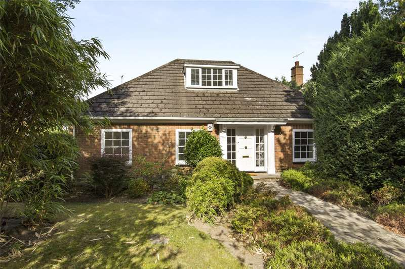 3 Bedrooms Detached Bungalow for sale in Old Avenue, Weybridge, Surrey, KT13