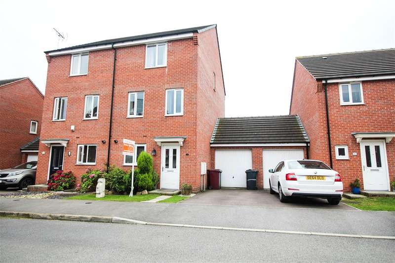 4 Bedrooms Semi Detached House for sale in Hetton Drive, Chesterfield