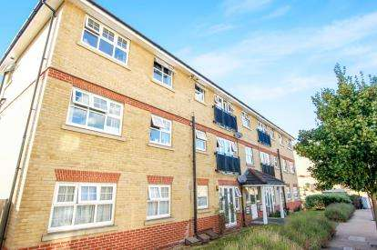 2 Bedrooms Flat for sale in Osier Crescent, London