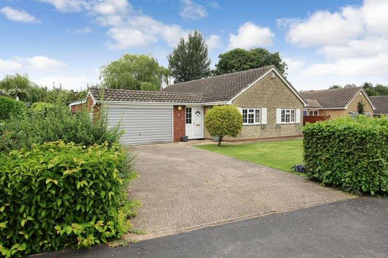 3 Bedrooms Detached Bungalow for sale in 23 Holme Drive, Sudbrooke, Lincoln