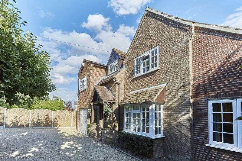 6 Bedrooms Detached House for sale in Thorpe End, Norwich