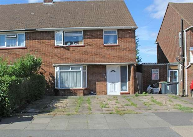 3 Bedrooms Semi Detached House for sale in Longcroft Road, Luton, Bedfordshire