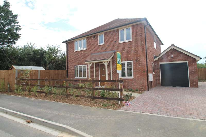 4 Bedrooms Detached House for sale in Mill Lane, Littlehampton, West Sussex, BN17