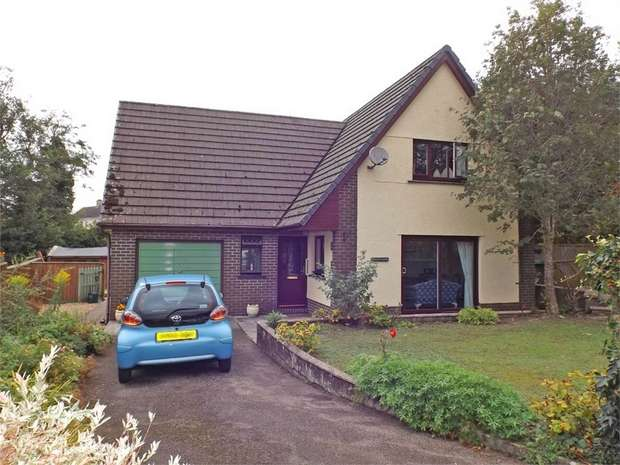 3 Bedrooms Detached House for sale in Talley, Llandeilo, Carmarthenshire