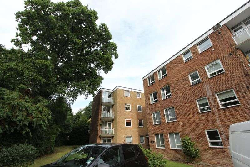2 Bedrooms Flat for sale in Lordswood