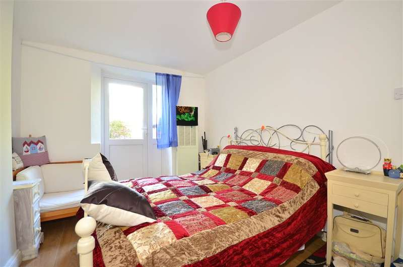 2 Bedrooms Ground Flat for sale in Vernon Square, Ryde, Isle of Wight