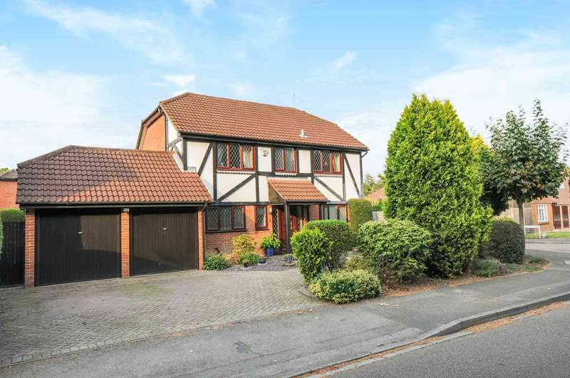 4 Bedrooms Detached House for sale in High Tree Drive, Earley