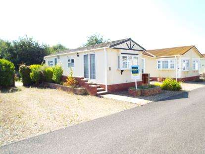 1 Bedroom Mobile Home for sale in Marham, King's Lynn, Norfolk