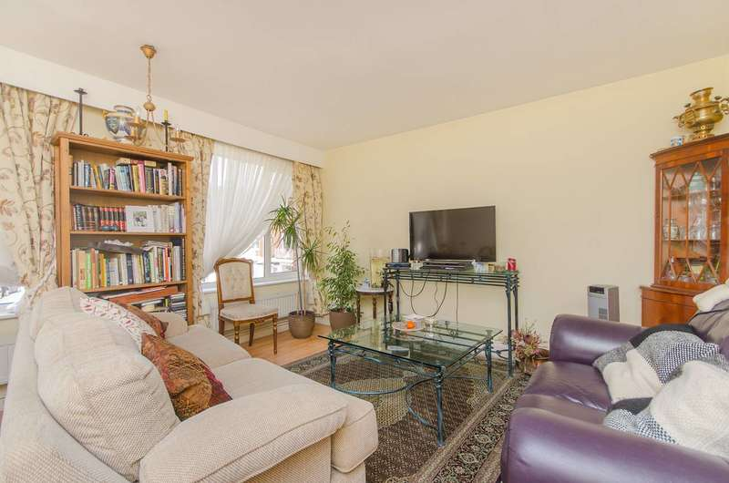 2 Bedrooms Flat for sale in Abbey Park, Beckenham, BR3