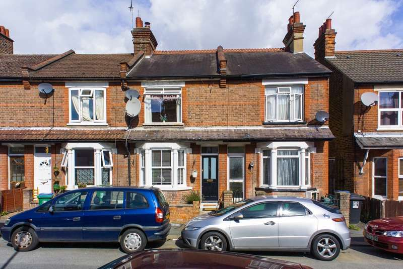 2 Bedrooms Terraced House for sale in Jubilee Road, Watford, Hertfordshire, WD24