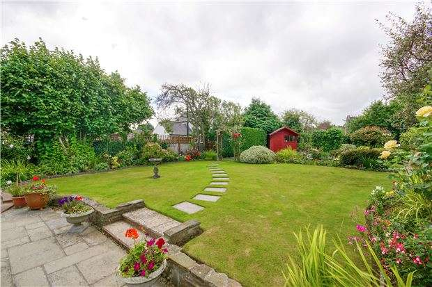 4 Bedrooms Cottage House for sale in Cotton Cottage, Bath Road, Longwell Green, BS30 9DG