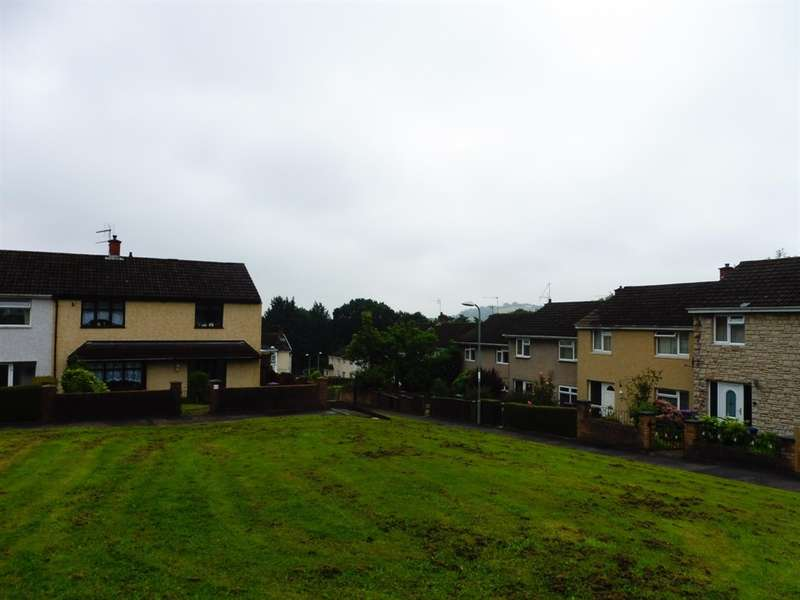 3 Bedrooms Terraced House for sale in Kenilworth Place, Cwmbran