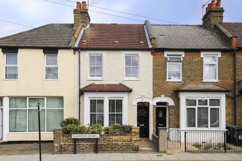 3 Bedrooms Terraced House for sale in Gordon Road, Enfield