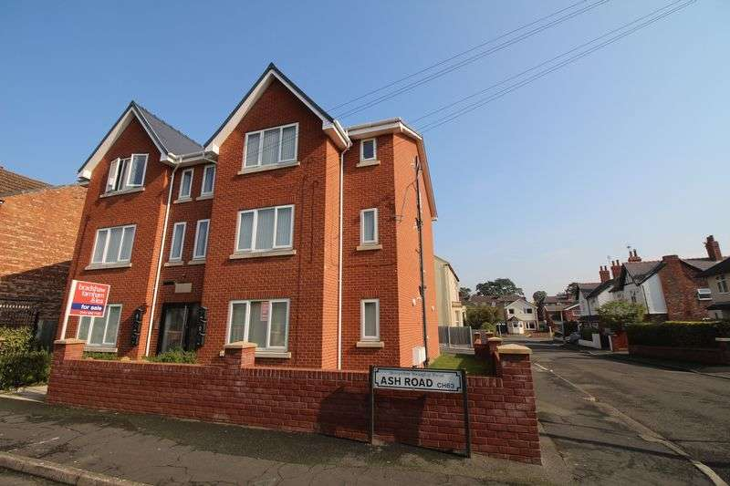 2 Bedrooms Flat for sale in Ash Road, Bebington, Wirral