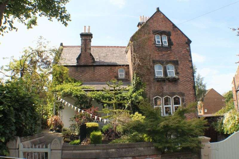 6 Bedrooms Detached House for sale in Columbia Road, Oxton