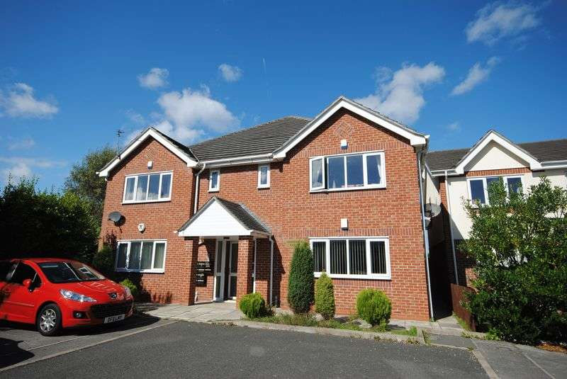 2 Bedrooms Flat for sale in Garrick Avenue, Moreton