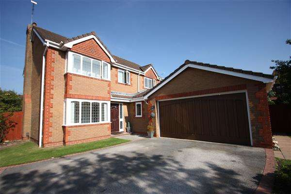 4 Bedrooms Detached House for sale in Clwyd Way, Ledsham Park, Ellesmere Port
