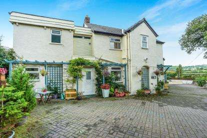 4 Bedrooms Detached House for sale in Glan Conwy Corner, Colwyn Bay, Conwy, ., LL28