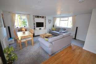 1 Bedroom Flat for sale in Chenies Close, Tunbridge Wells, Kent