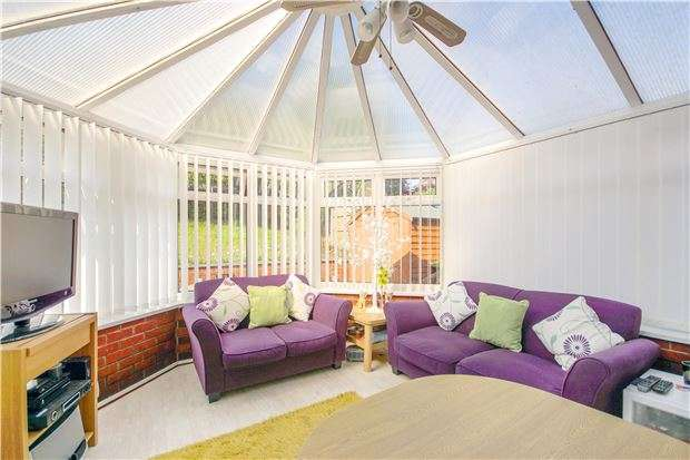 3 Bedrooms Semi Detached House for sale in Glastonbury Close, Barrs Court, BS30 7HE