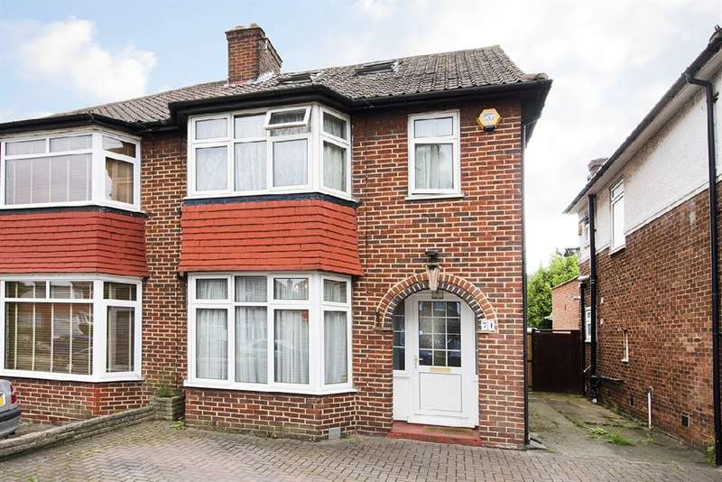 4 Bedrooms House for sale in Cleveland Gardens, NW2