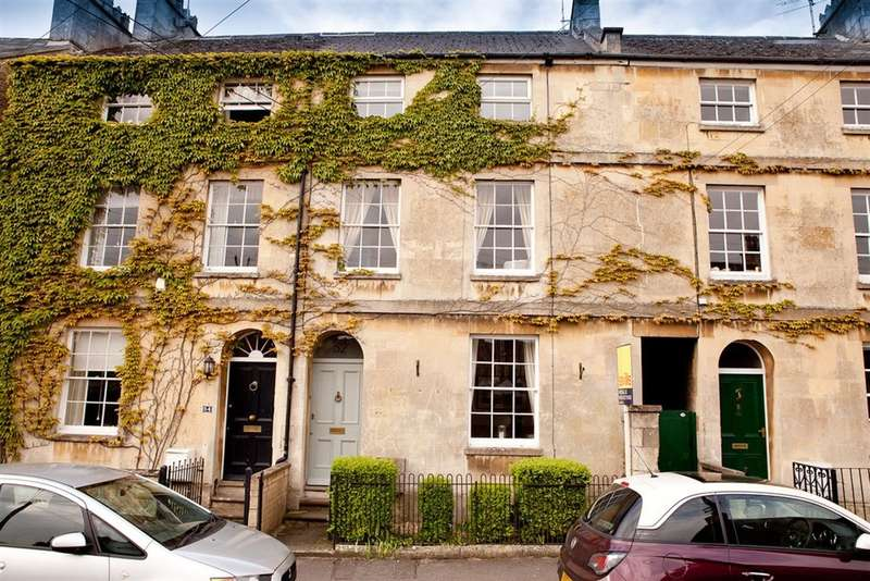 4 Bedrooms House for sale in Chester Street, Cirencester, Gloucestershire