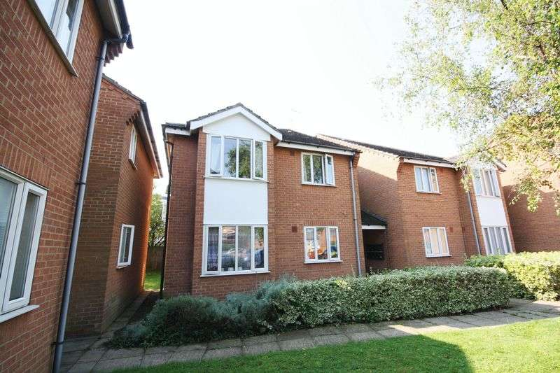 1 Bedroom Flat for sale in Swindon Close, Cheltenham