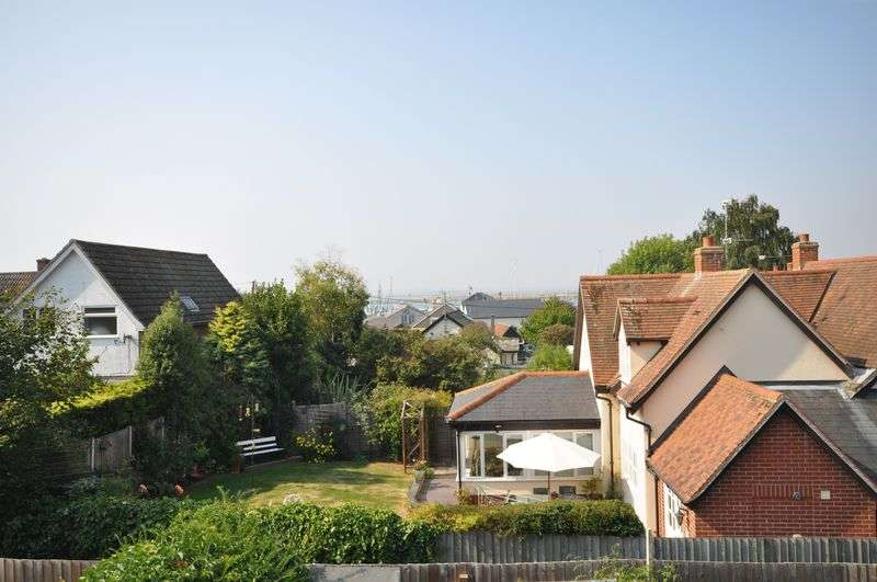 3 Bedrooms Terraced House for sale in The Lane, West Mersea