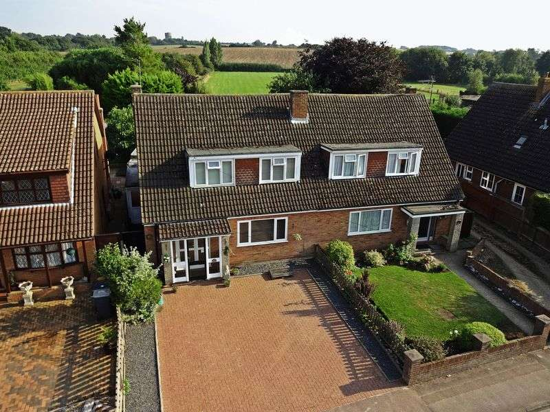 3 Bedrooms Semi Detached House for sale in Greenfield