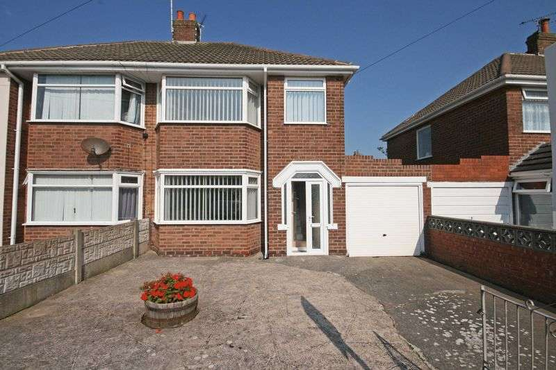 3 Bedrooms Semi Detached House for sale in Briarwood Drive, Blackpool