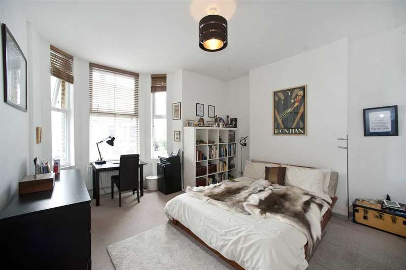 3 Bedrooms Maisonette Flat for sale in Loftus Road, Shepherd's Bush