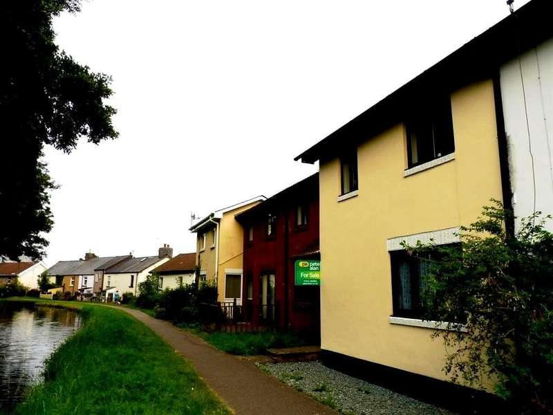2 Bedrooms Terraced House for sale in St Oswalds Close, Sebastopol, Pontypool