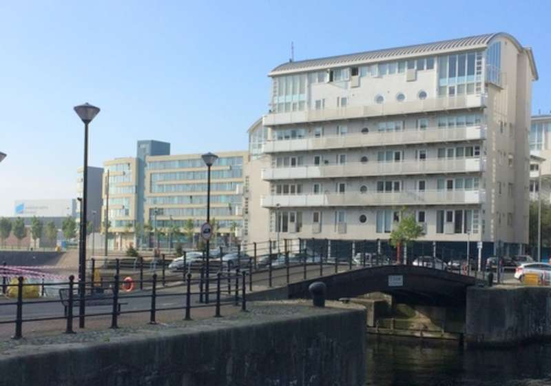 2 Bedrooms Flat for sale in Royal Quay, Liverpool, Merseyside, L3 .